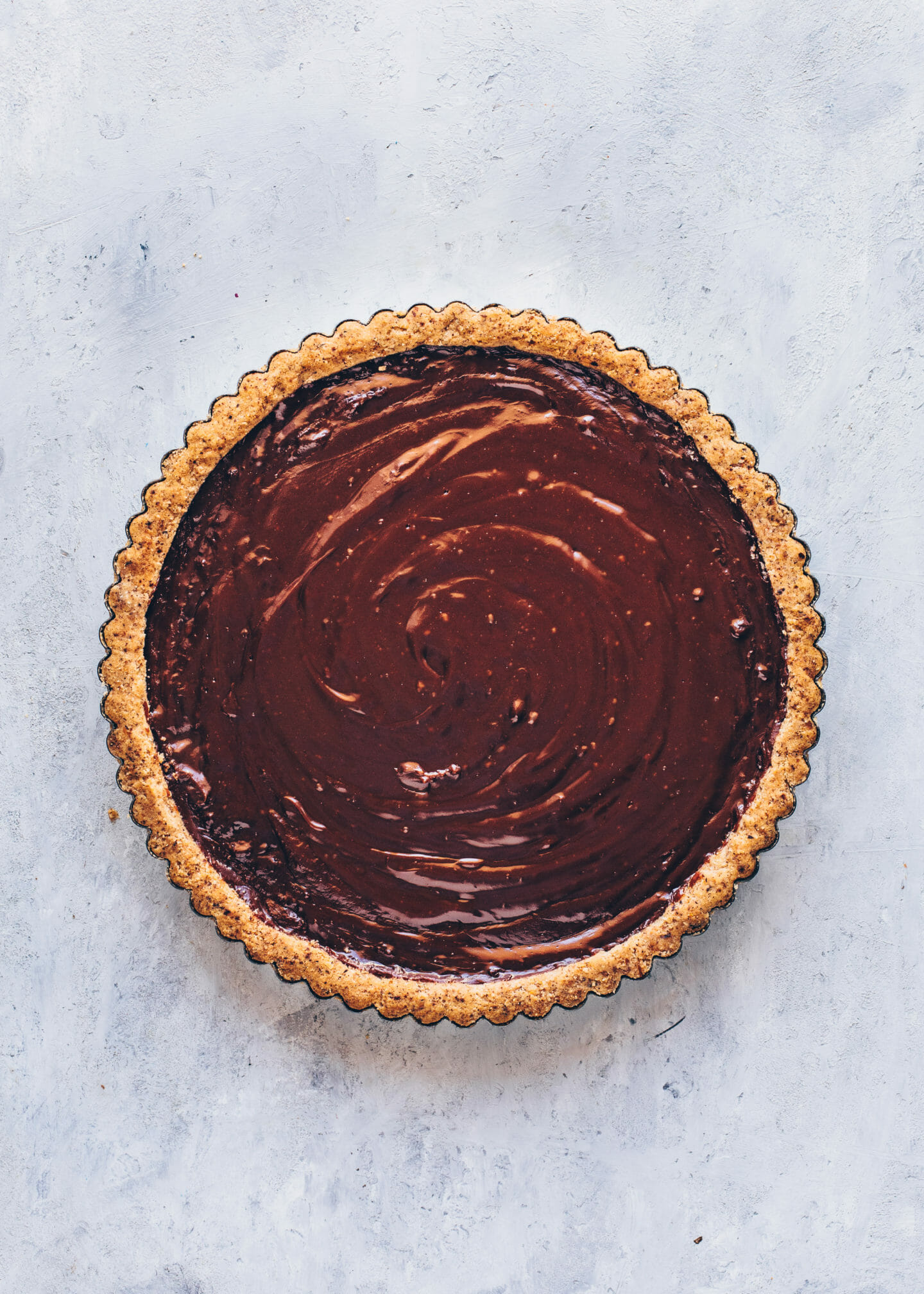 chocolate hazelnut tart, vegan nutella pie