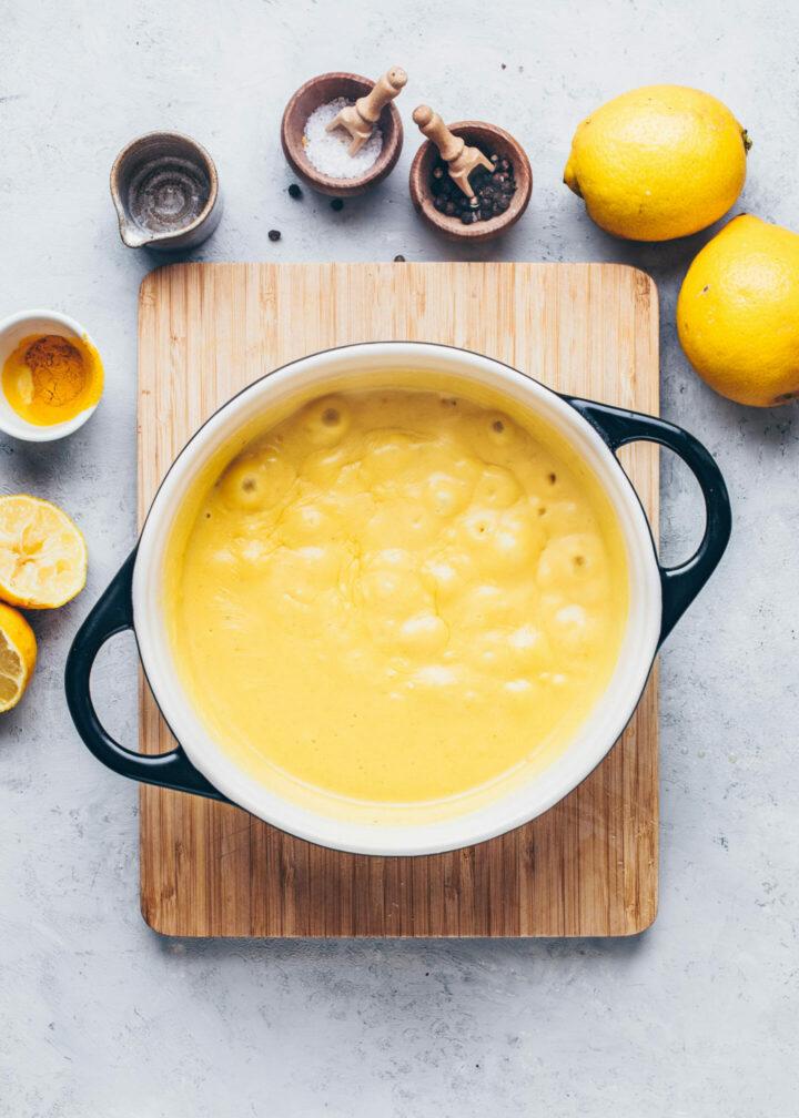 an sauce hollandaise (recipe instruction step 5)