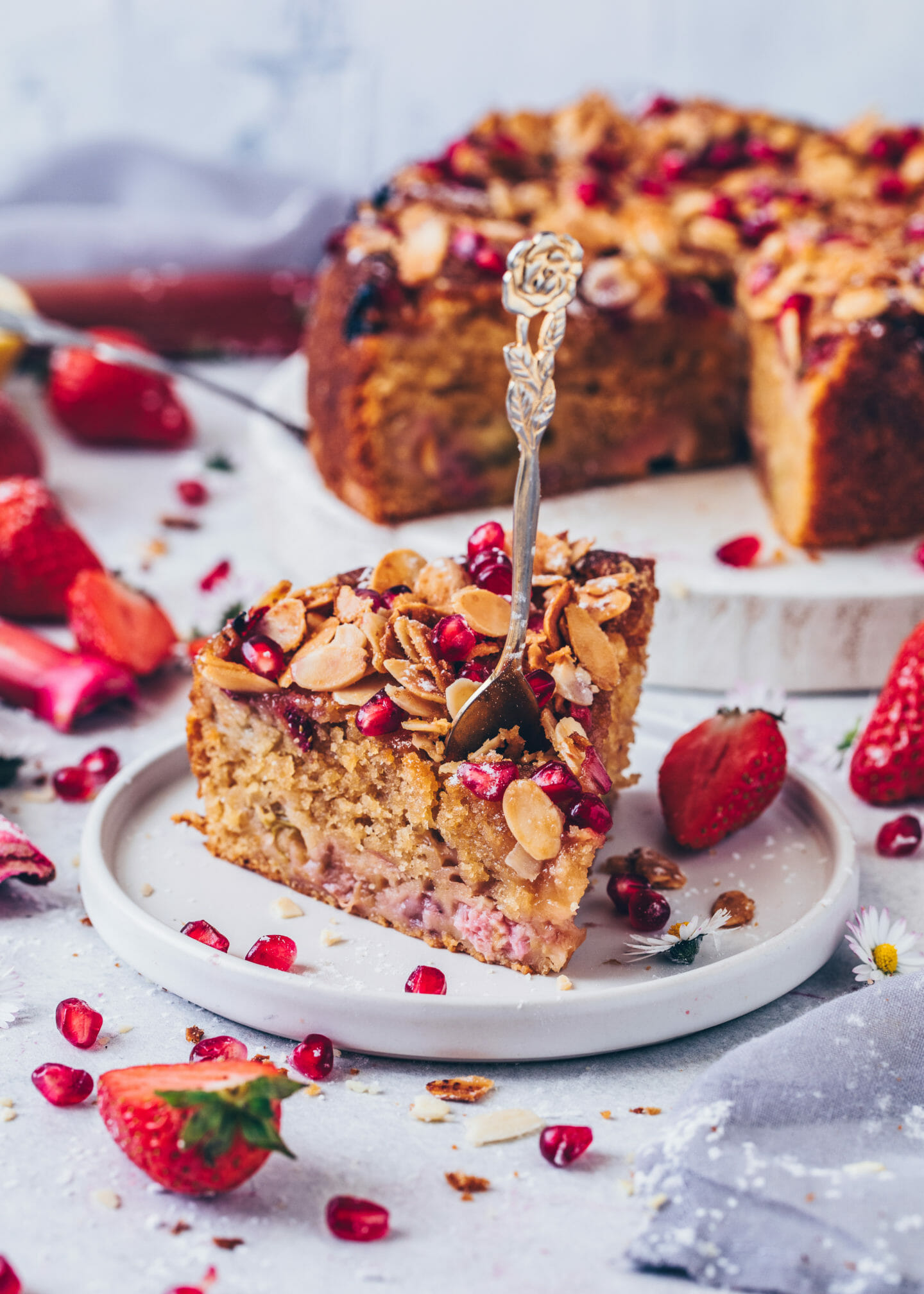 Strawberry Rhubarb Cake With Almonds Vegan Bianca Zapatka Rezepte