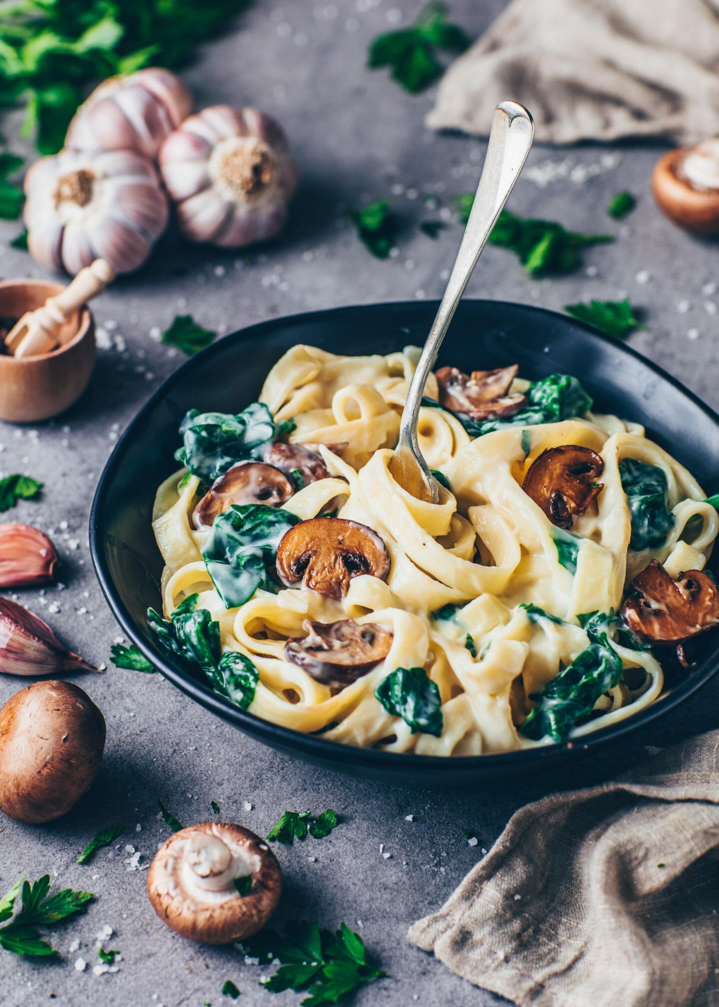 Vegan Alfredo Pasta with Cauliflower Sauce, mushrooms and spinach