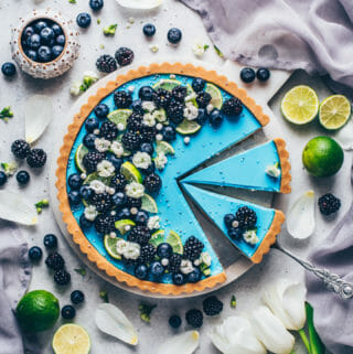 blueberry blackberry lime tart (food photography, food styling)