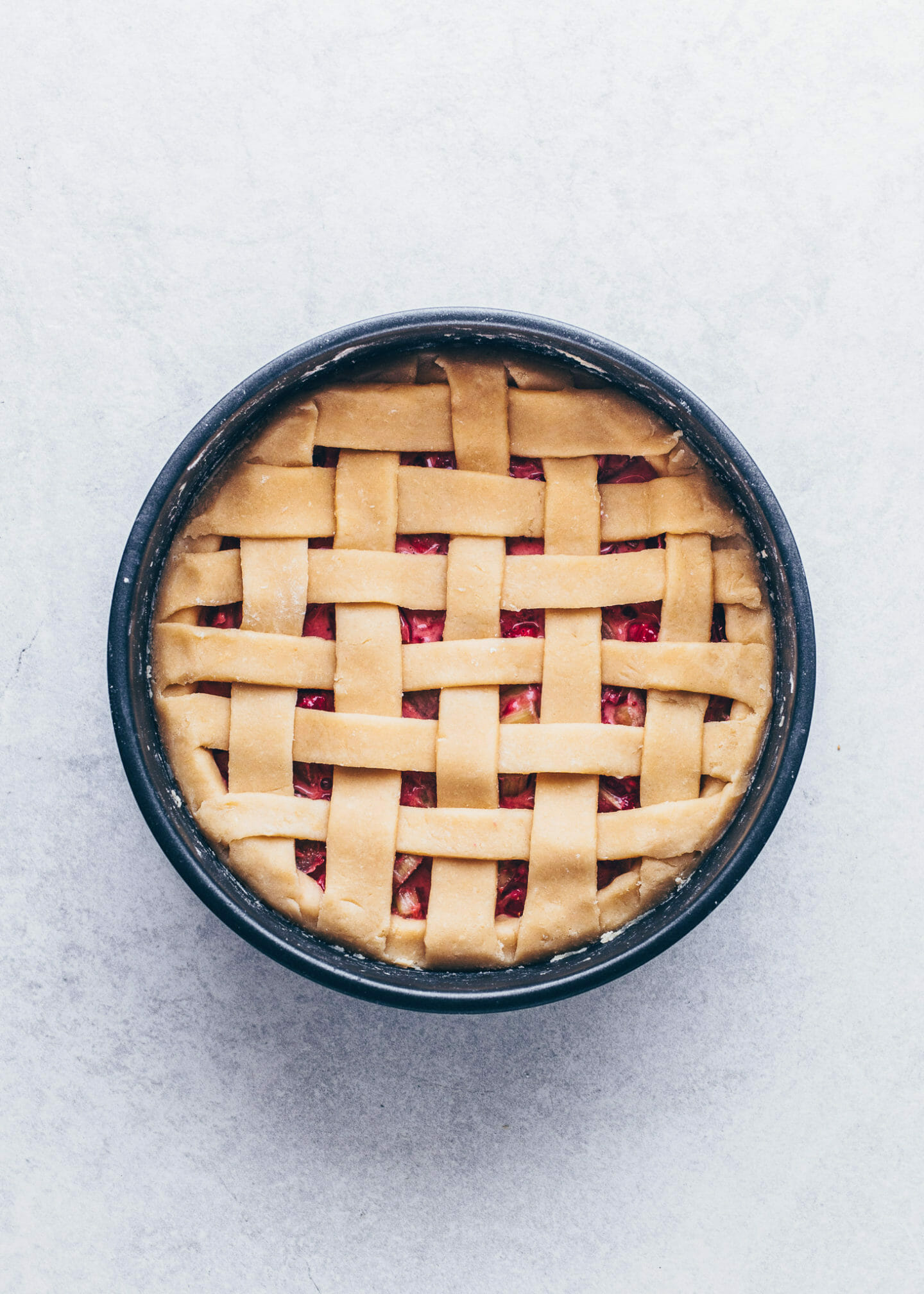 strawberry rhubarb pie with lattice top crust (step-by-step instruction)
