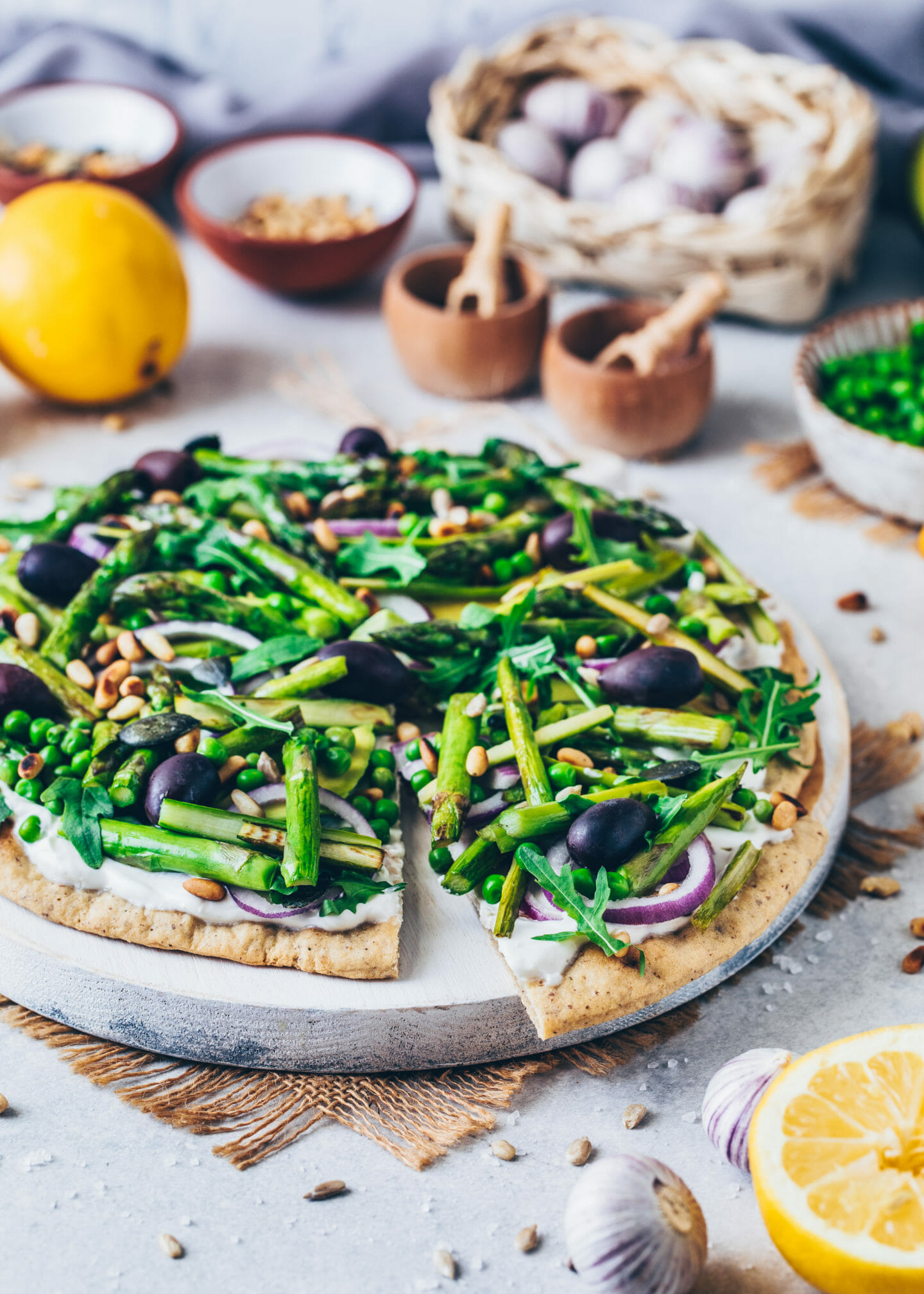 Healthy Green Pizza Recipe (Vegan, Gluten-free, Easy)