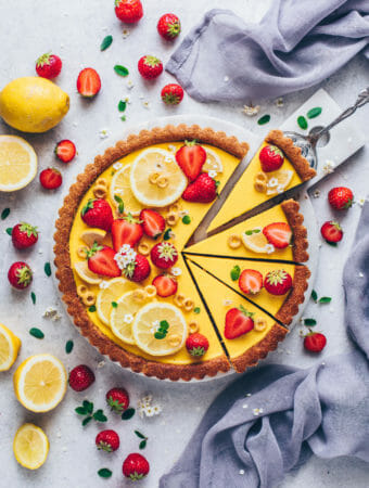 Vegan Lemon Tart with Strawberries (Food Photography, Food Styling)