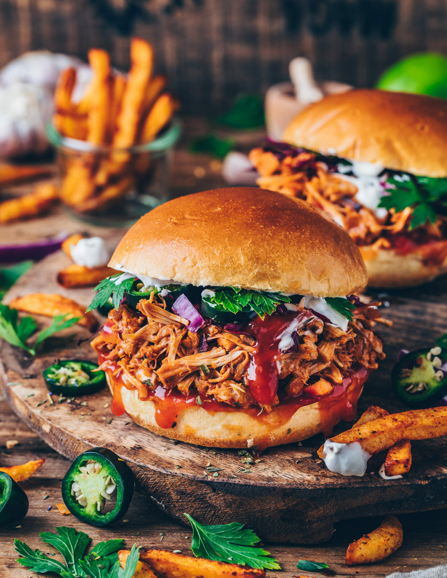 bbq pulled jackfruit burger