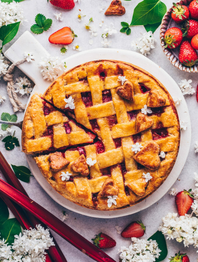 Strawberry Rhubarb Pie (Food Photography)