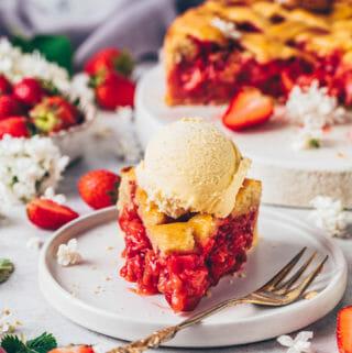 Strawberry Rhubarb Pie with Vanilla Ice Cream