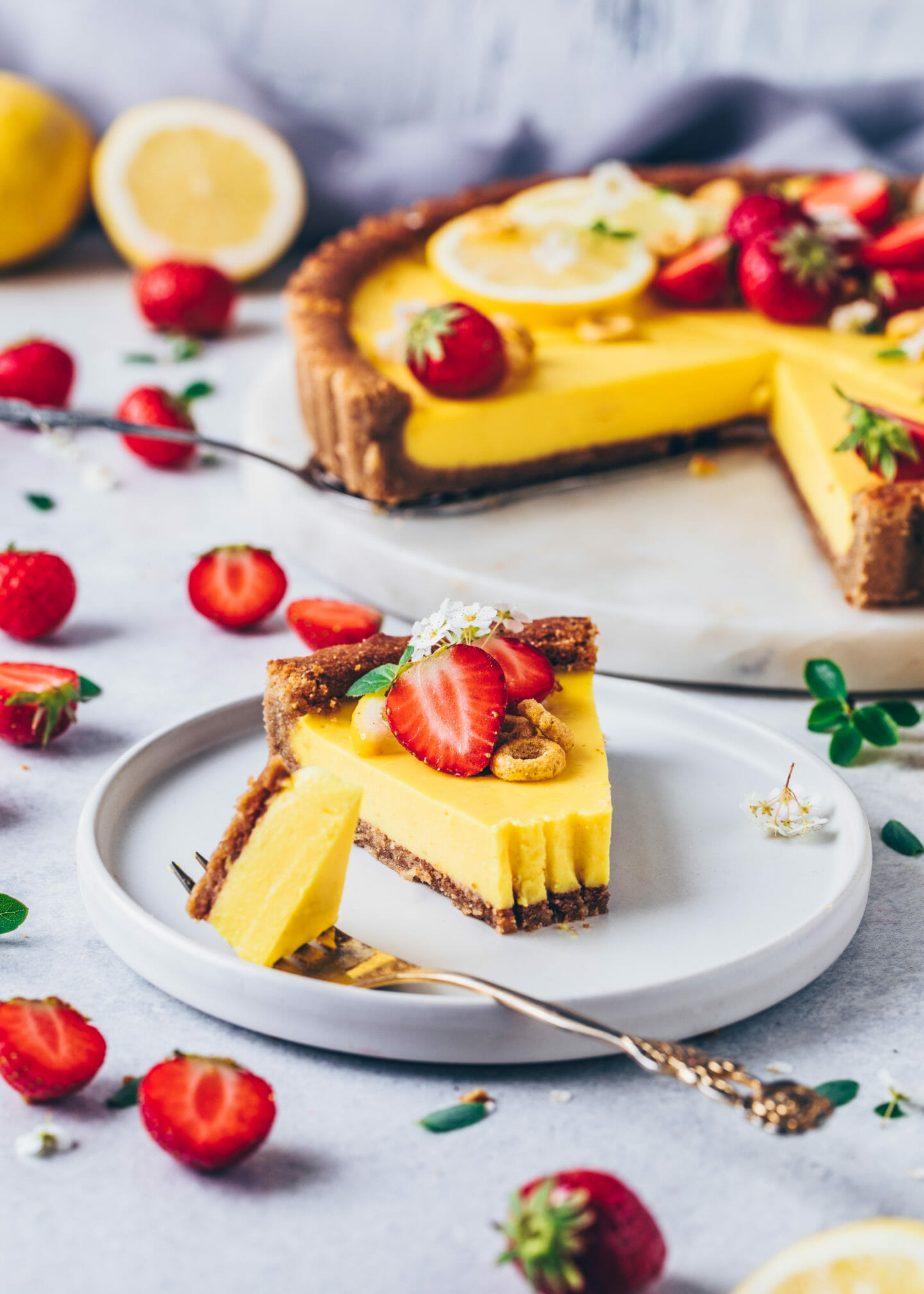 Vegan Lemon Curd Tart with Strawberries (Easy, Gluten-free, No-Bake)