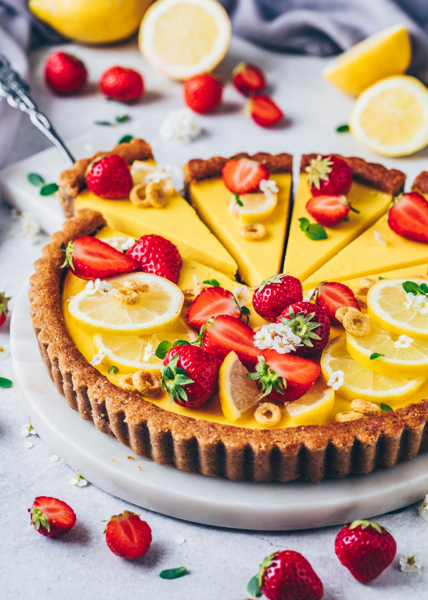 Lemon Tart with Strawberries (Food Photography, Food Styling)