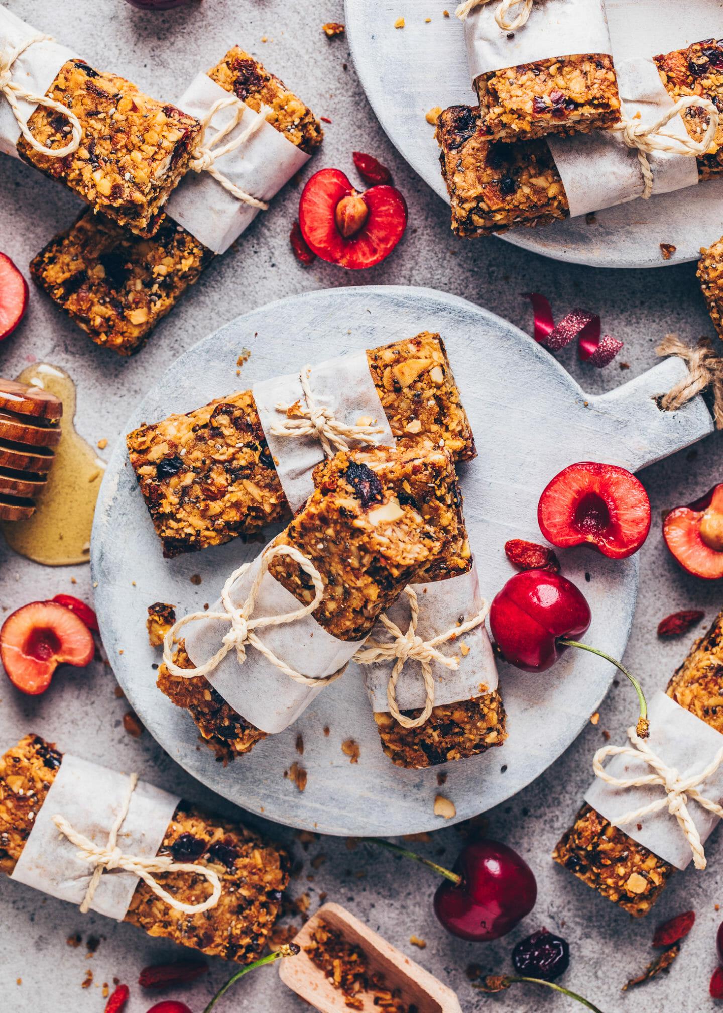 Homemade Granola Bars (Vegan, Gluten-free, Easy)