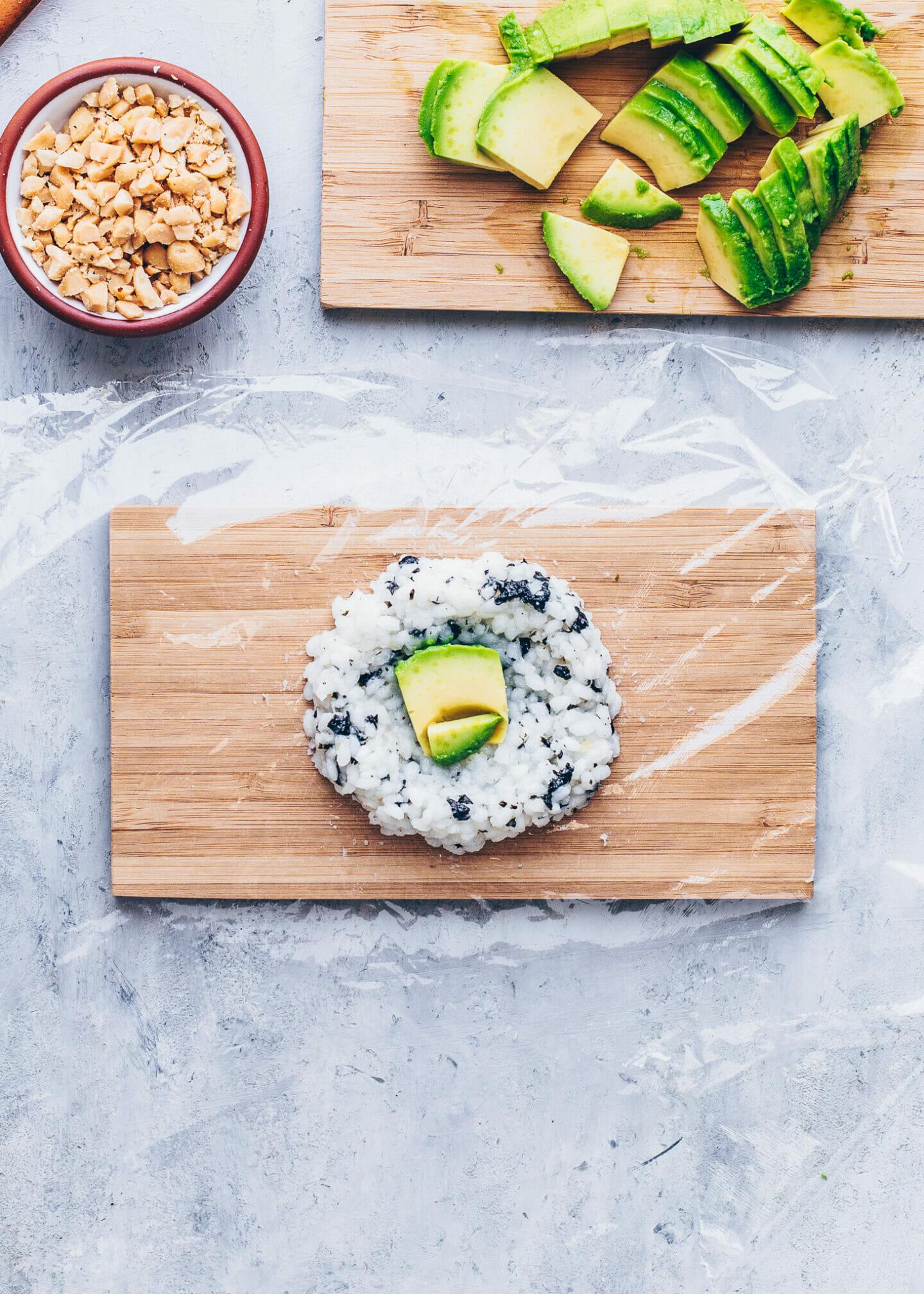 How to make Yaki Onigiri (Stuffed rice balls with avocado and peanuts)