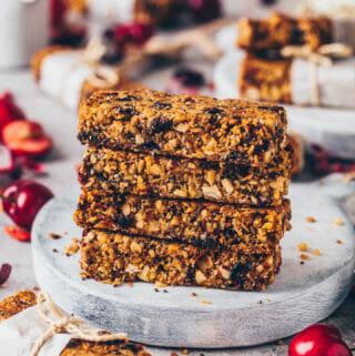 Vegan Crunchy Granola Bars