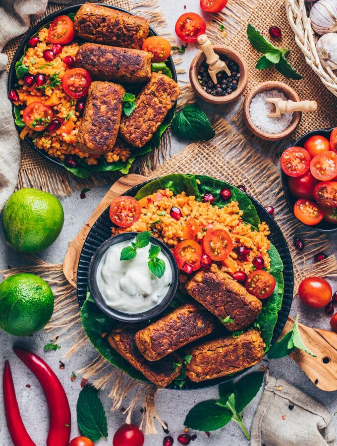 Vegane Cevapcici mit Bulgur-Salat