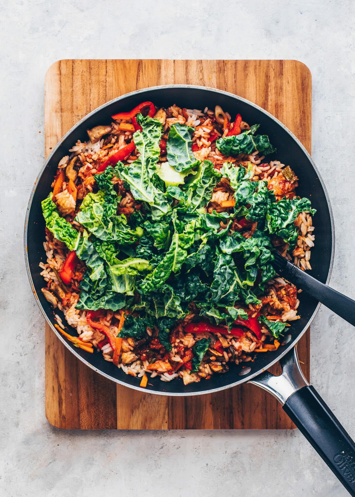 Gebratener Reis mit Kimchi, Wirsing, Pilze