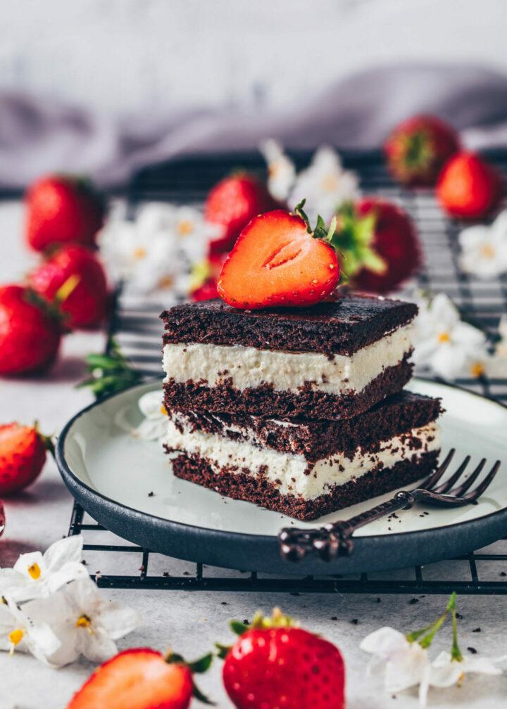 Vegane Milchschnitten, Schoko-Kuchen mit Sahne-Creme