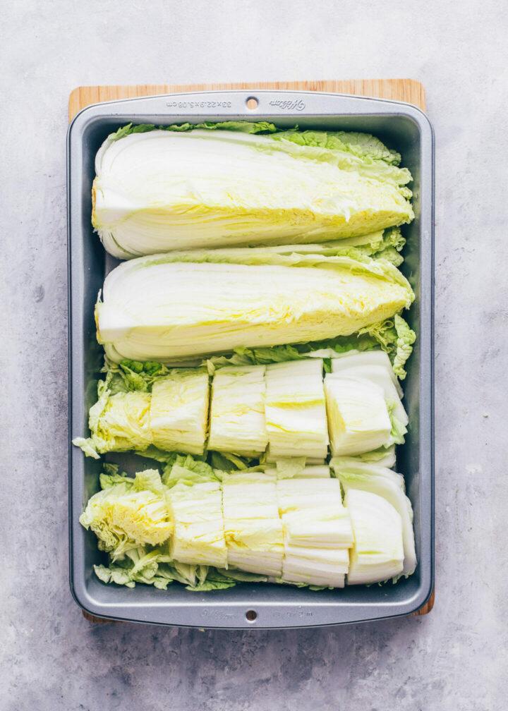 Chinakohl schneiden für Kimchi