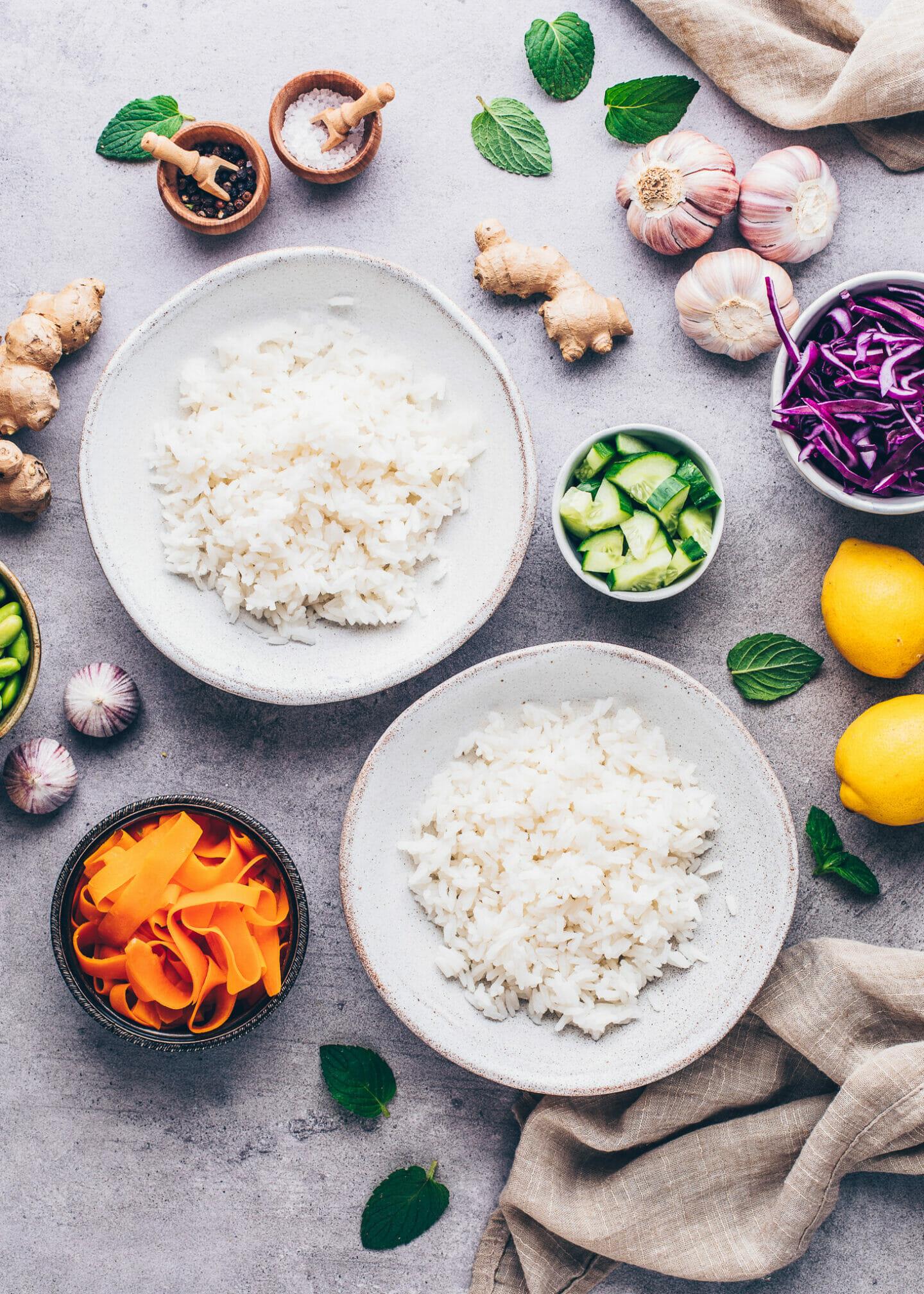 Sushi Reis in Schalen