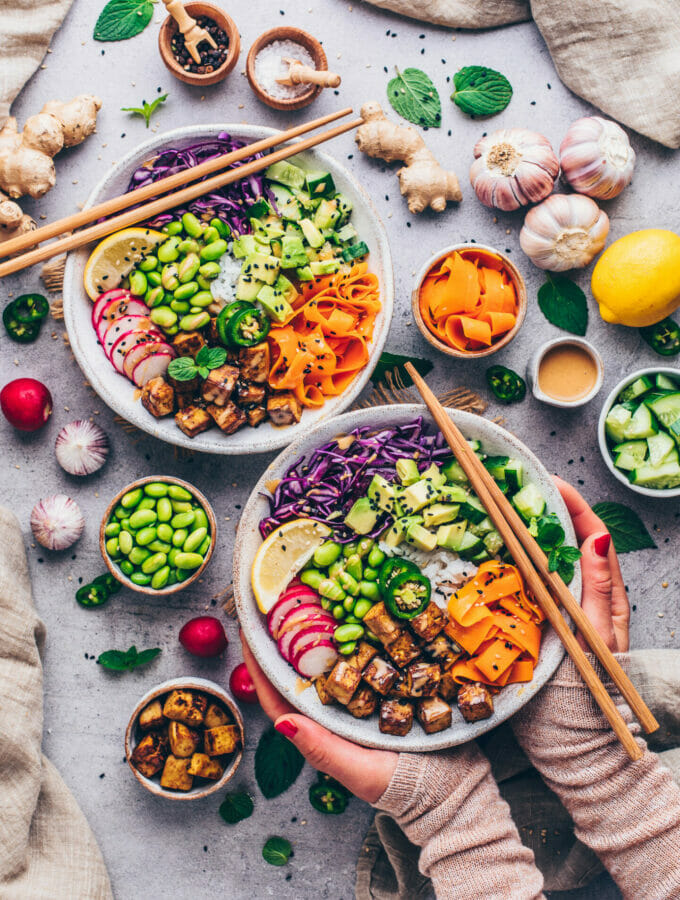 Vegan Poke Bowl with Tofu and Tahini Sauce (food photography)