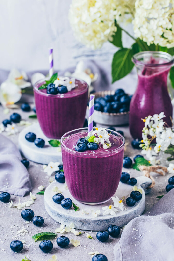 Blaubeer-Smoothie (Food Fotografie)