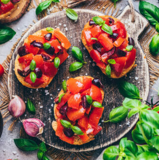 Tomaten-Knoblauch-Brote (Bruschetta, Crostini)