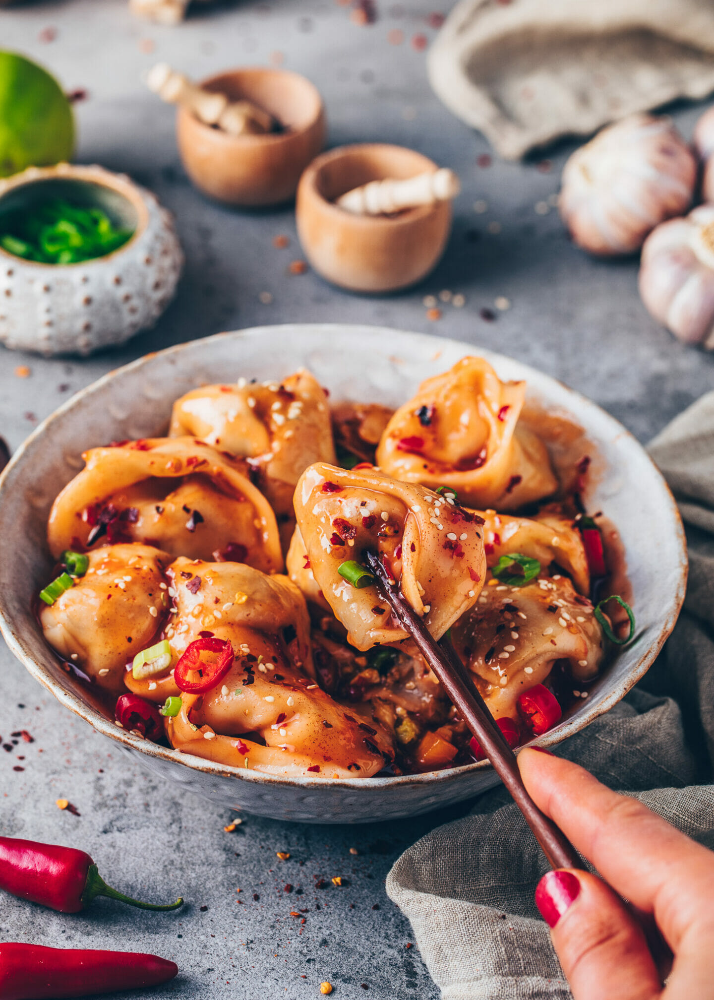 Wan Tan Teigtaschen mit Chilli-Sauce