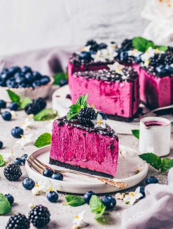 Vegan No-Bake Blueberry Cheesecake