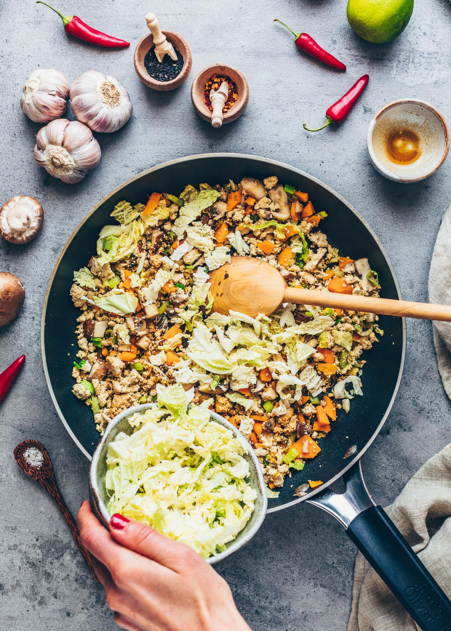 Vegane Gemüse-Füllung für Teigtaschen