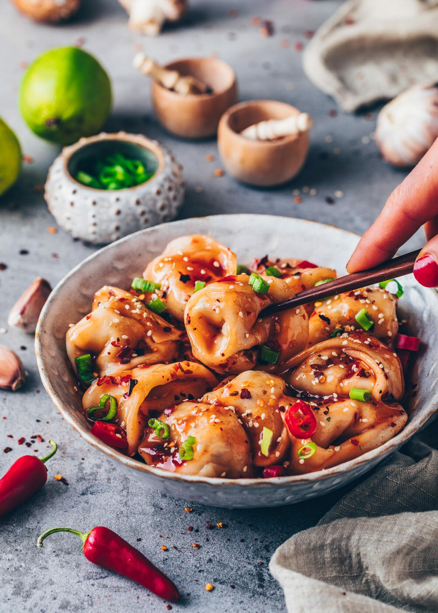 Wan Tan Teigtaschen mit Chili-Sauce nach Szechuan-Art