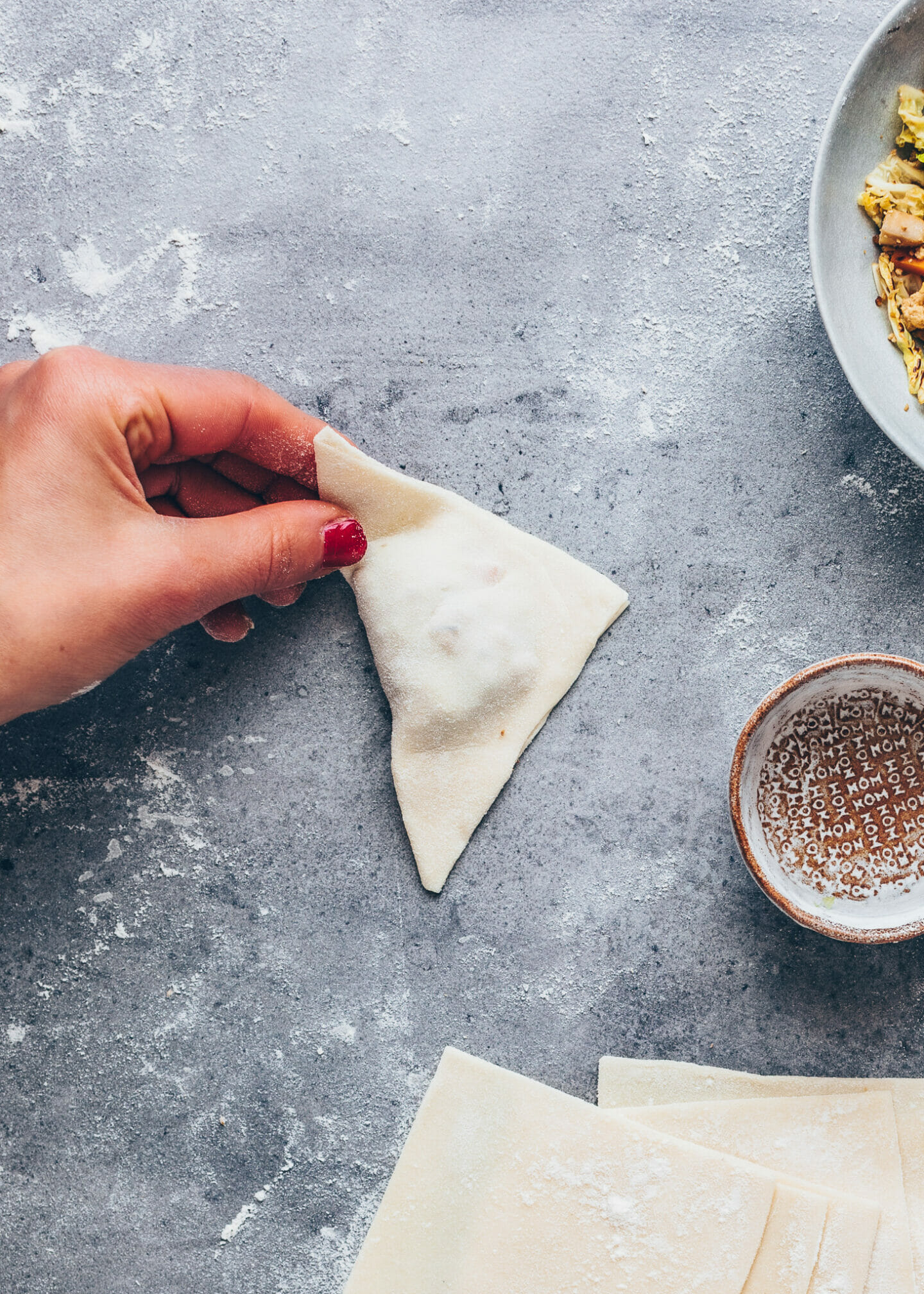 How to wrap Chinese dumplings wontons