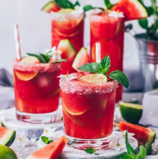 Wassermelonen Margarita auf Eis mit Tequila, Limetten und Minze