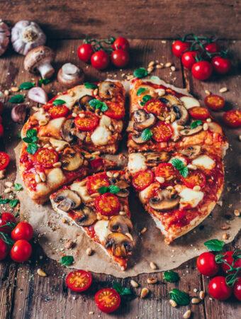 Amerikanische Pizza (Pizzateig Rezept)