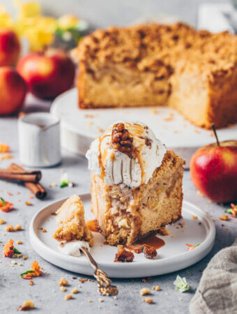Best Apple Cake with Cinnamon Streusel