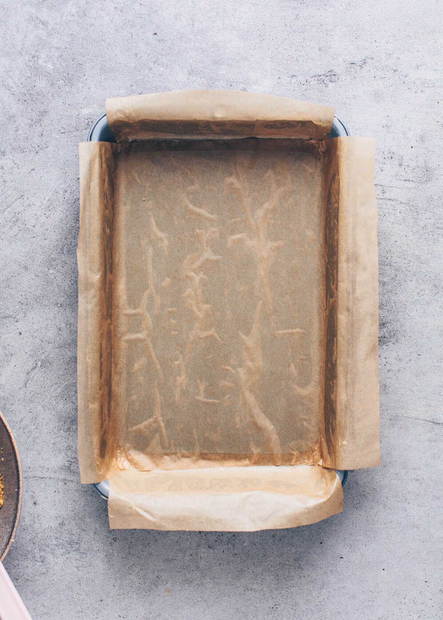 baking pan with parchment paper