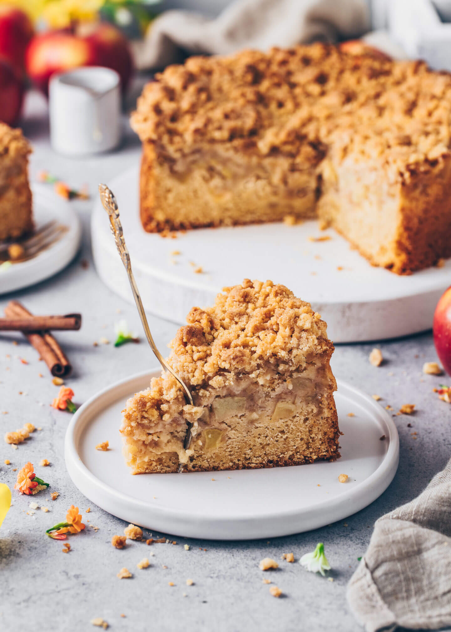 Best Vegan Apple Cake with Cinnamon Streusel