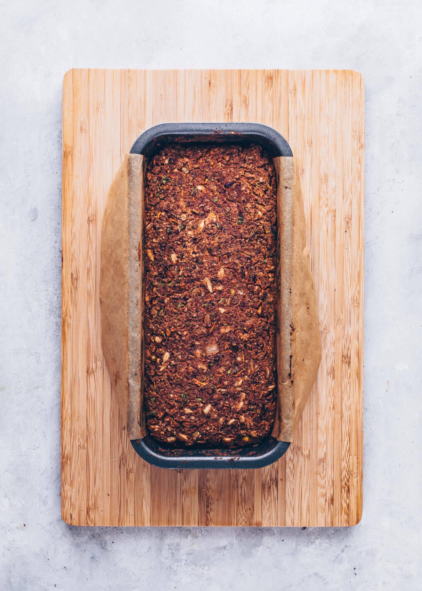 Vegan Meatloaf (Lentil Loaf, Vegan Christmas Roast)