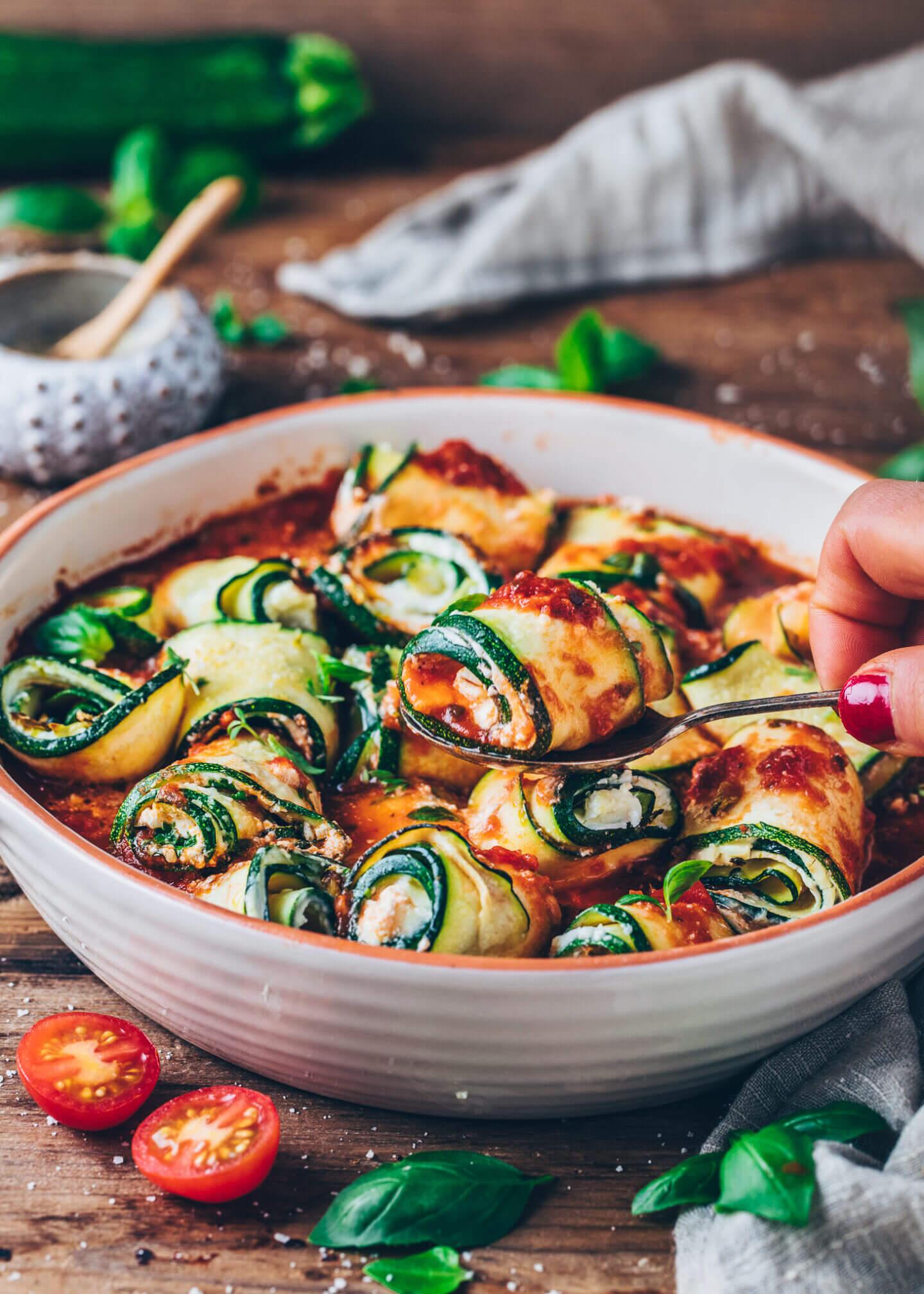Zucchini-Röllchen mit Cashew-Ricotta