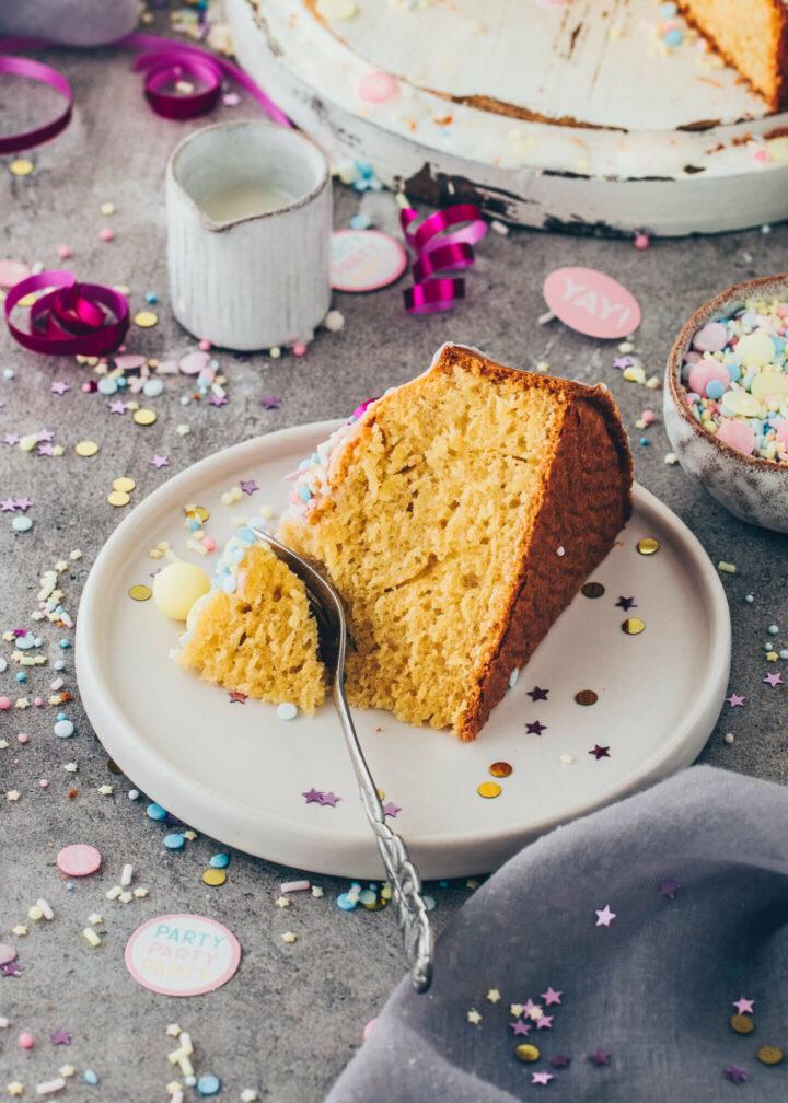 Funfetti Cake (soft, fluffy, moist, easy, vegan)