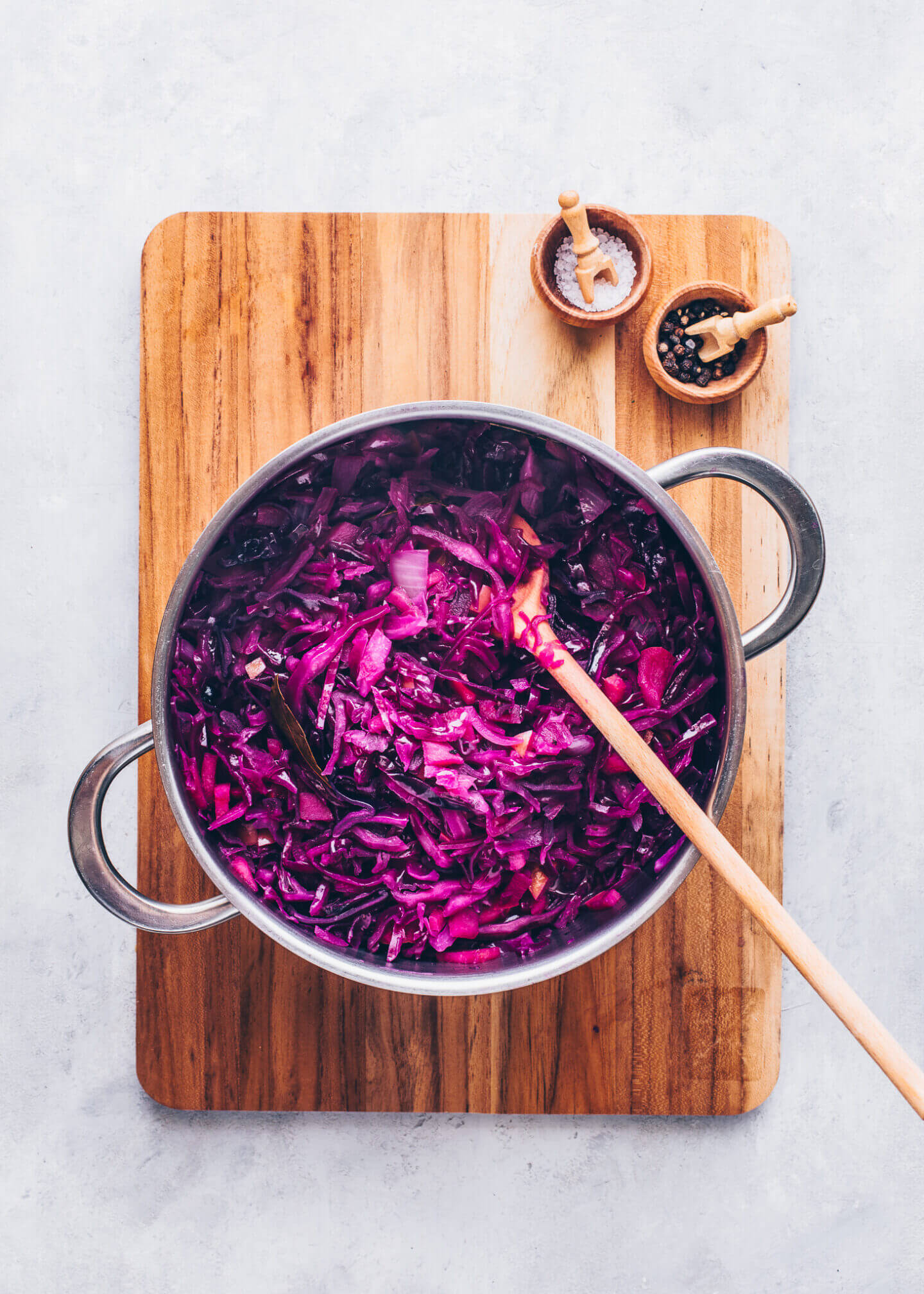 Homemade Braised Red Cabbage with Apples