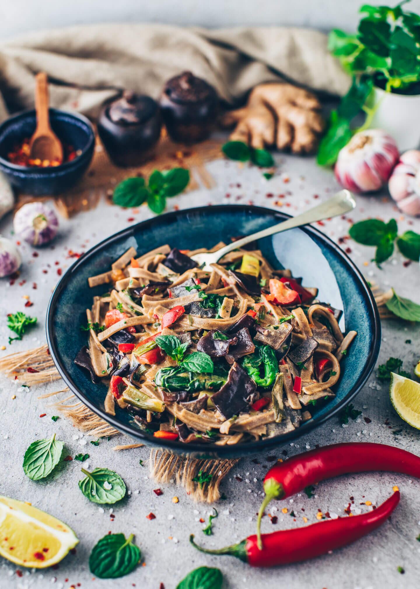 Asiatische Nudeln (Spicy Noodles) Every x Bianca