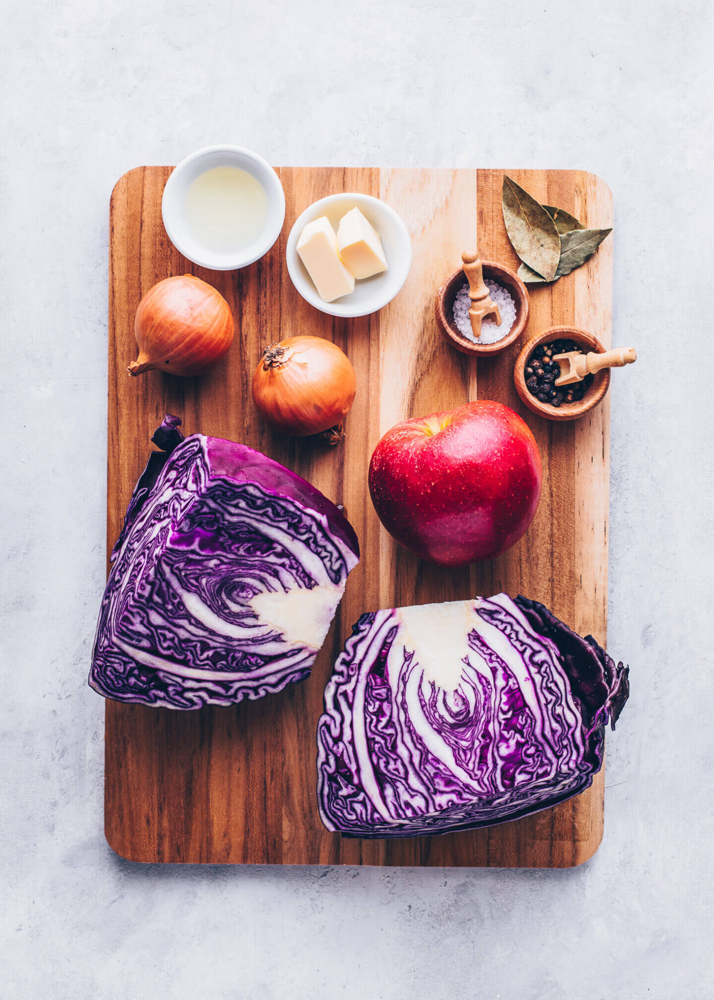 Ingredients for Braised Red Cabbage with Apples