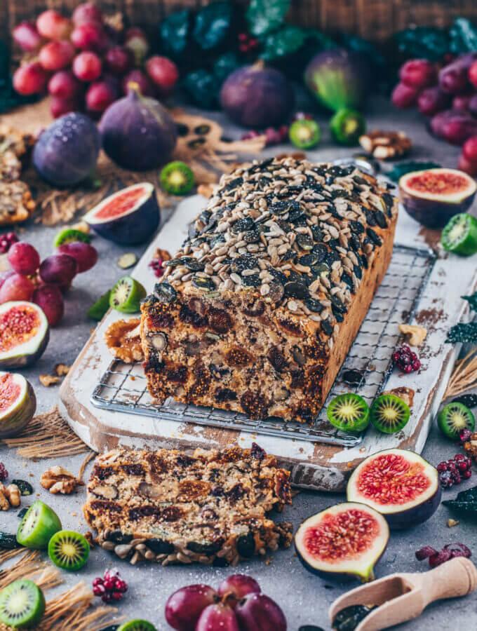 Früchtebrot (Gesunder Nuss-Frucht-Kuchen)