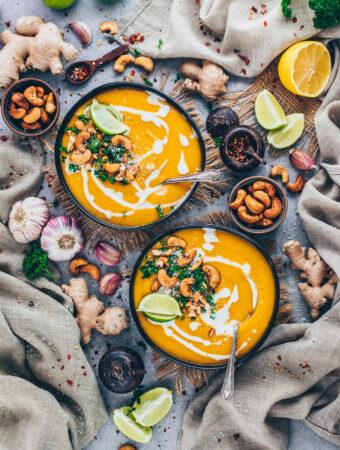 Thai Karotten Ingwer Suppe mit Curry Cashews