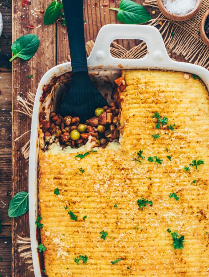 vegan shepherd's pie (lentil casserole with mashed potatoes)