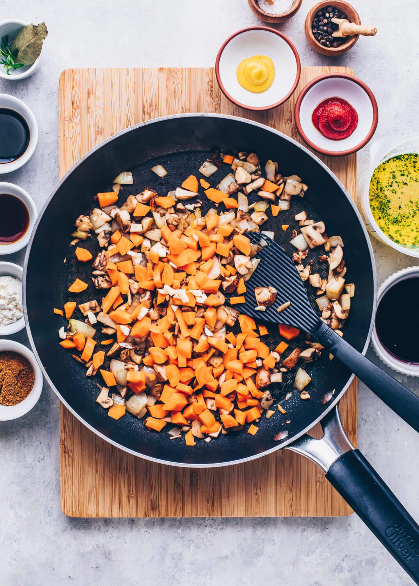 Vegane Bratensosse selber machen Schritt-für-Schritt