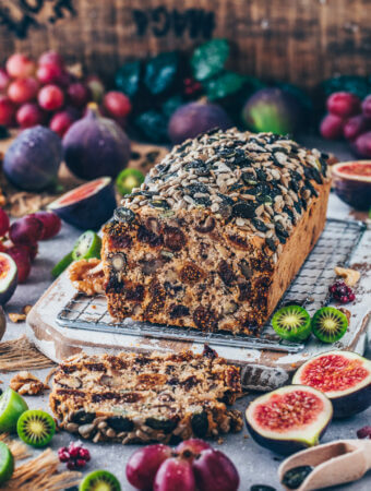 Easy Tea Loaf with fruits and nuts