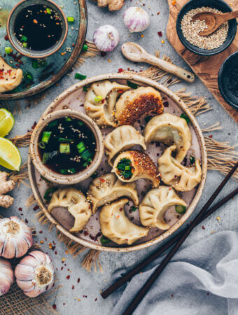 Vegan Dumplings with vegetable filling and sesame crust