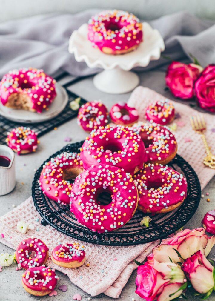 Easy Baked Vegan Doughnut