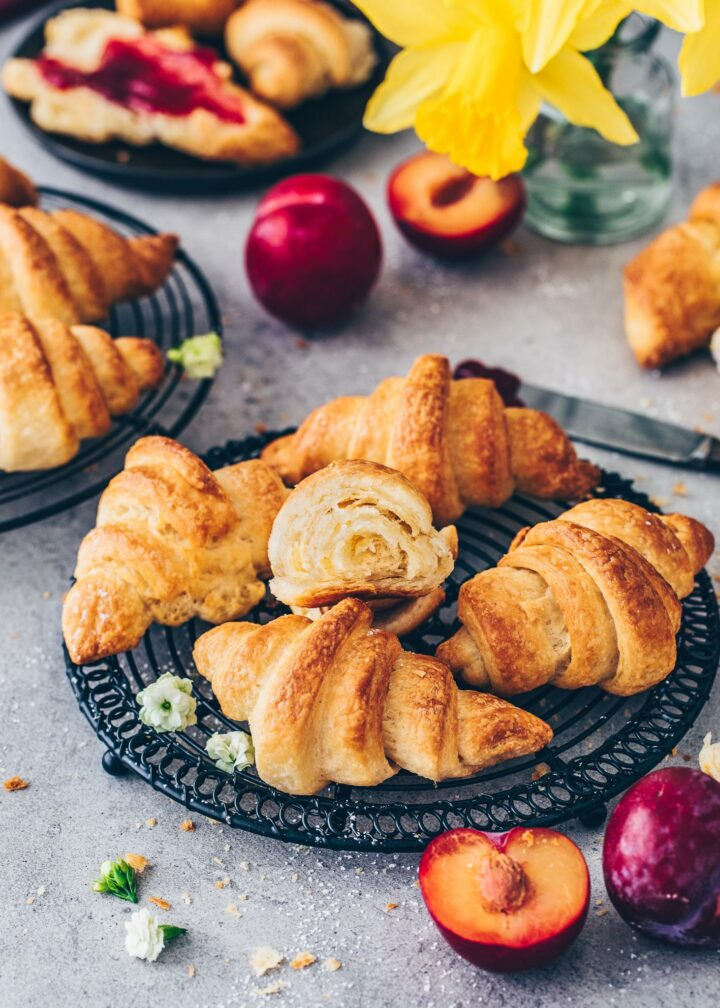 Vegan Croissants (flaky, buttery, crispy)