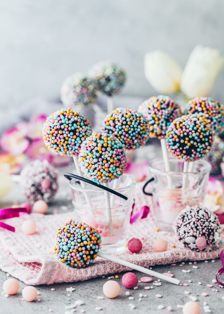Cake Pops - mini cake balls on a stick