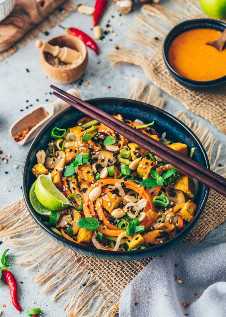 Peanut Veggie Noodles with Crispy Tofu and Mushrooms